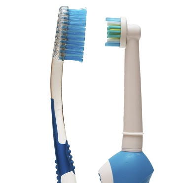Regular toothbrush vs. electric toothbrush
